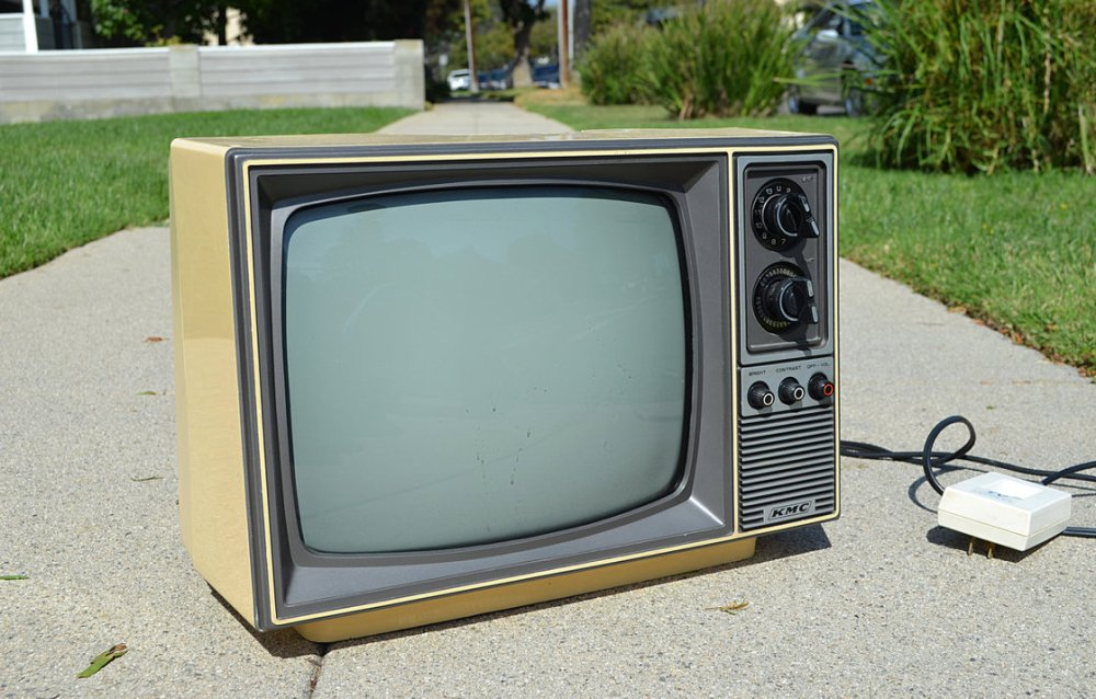 old_tv_stock_photo_side_view_2_dsc_0011_by_annamae22-d83vb58