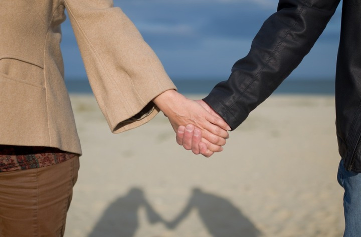 Holding Hands Sea Relationship People Happiness