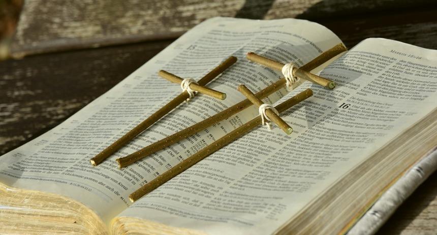 bible-2167783_960_720