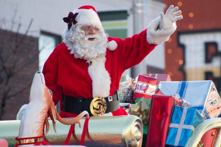 Santa_Claus_Parade_(Toronto)_(23052920425)